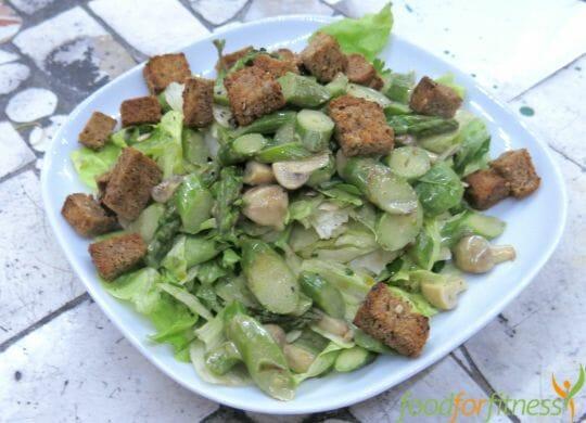 Salat mit Spargel - vegan