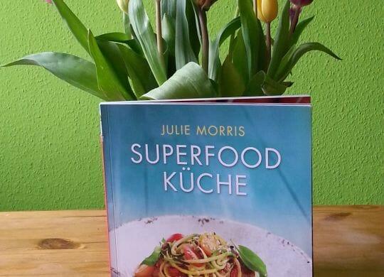 """Das Superfoodbuch bietet mehr als """"nur"""" leckere Rezepte."""