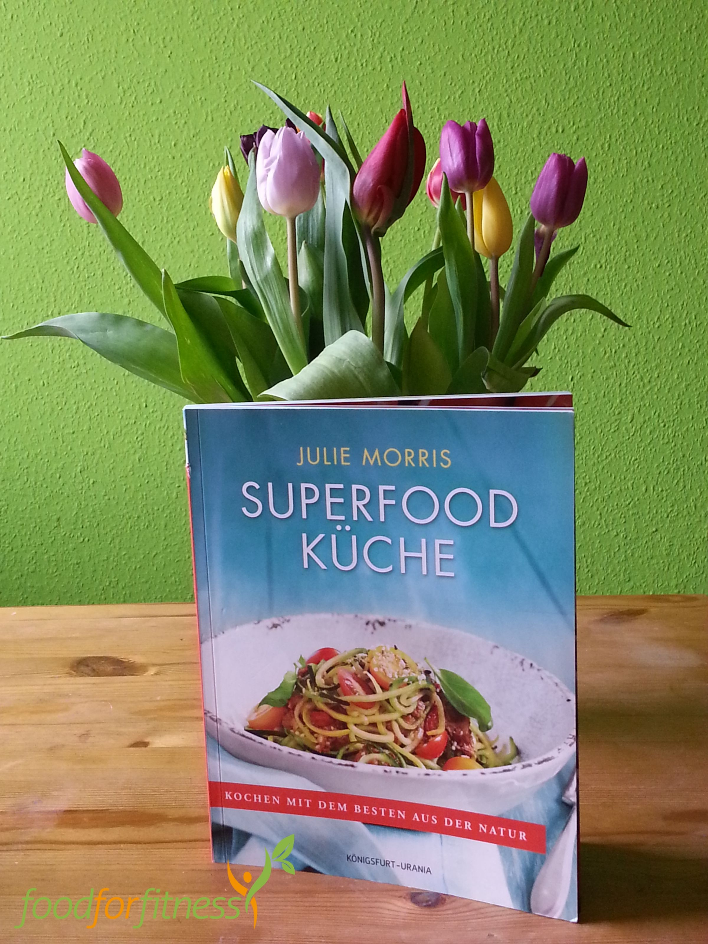 Unsere Buchrezension zum neuen Superfood-Kochbuch von Julie Morris