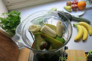 Unser Avocado-Smoothie bevor der Mixer an war.