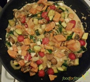 Gemüsepfanne mit Süßkartoffel und Feta