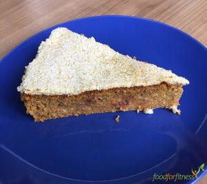 Rezept mit Flohsamenschalen: Ein leckerer Zucchini-Möhren-Kuchen.