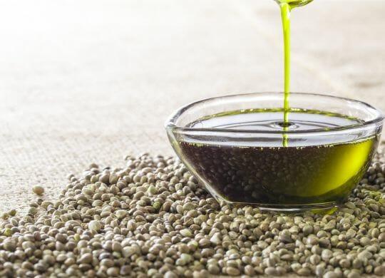 Öl aus Hanfsamen