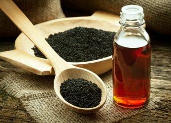 Schwarzkümmelöl – Wie gesund ist es und wofür wird es verwendet?
